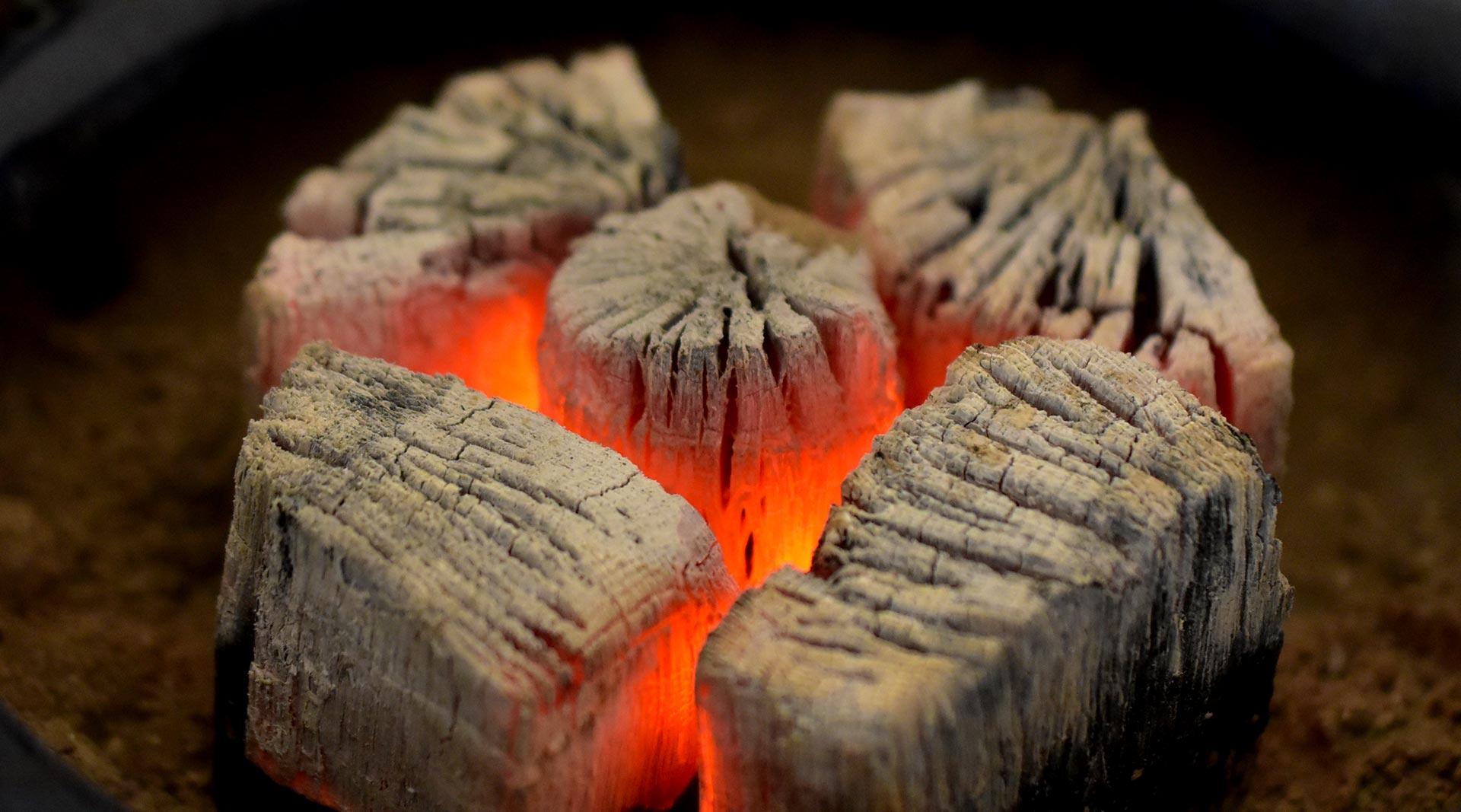 有限会社丸ヨ商店|伝統ある島根炭団【たどん】島根木炭のことなら(有)丸ヨ商店-